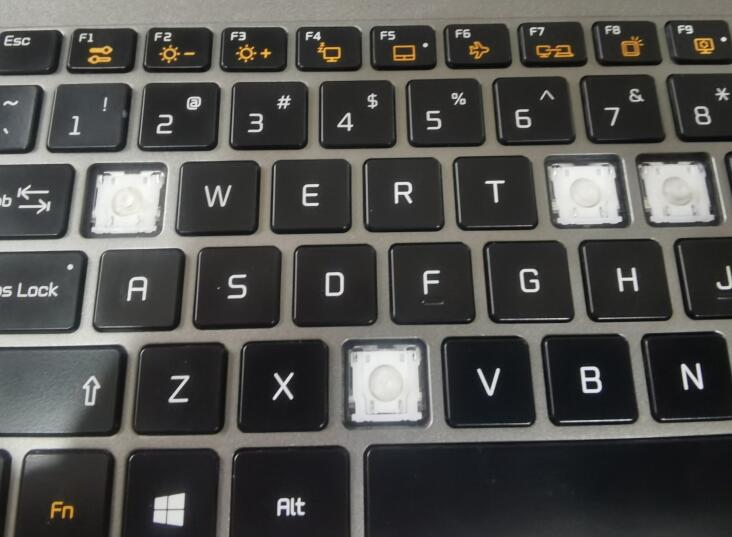 LG Gram 15Z980键盘键帽拆除技巧